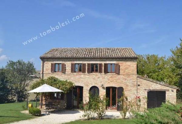 Rustico / Casale in vendita a Corinaldo, 6 locali, prezzo € 370.000 | Cambio Casa.it