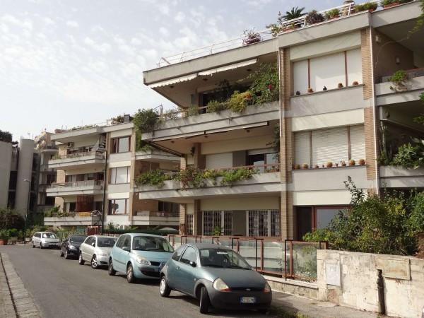 Appartamento in Vendita a Napoli Centro: 5 locali, 230 mq