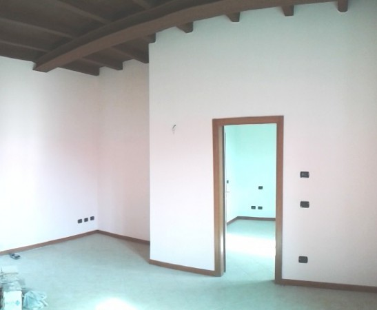 Bilocale Albavilla Via Cavour 1