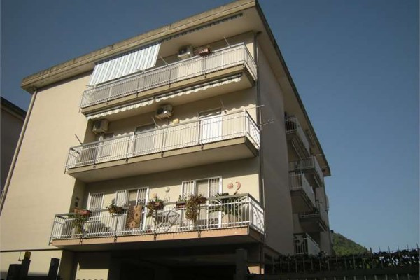 Appartamento in vendita a Itri, 4 locali, prezzo € 240.000 | Cambio Casa.it