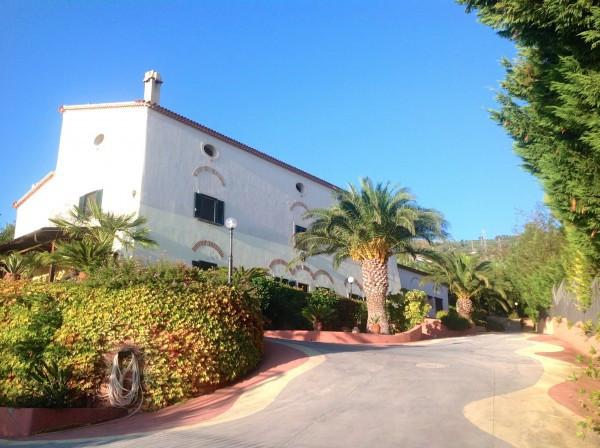 Villa in vendita a Paola, 6 locali, Trattative riservate | Cambio Casa.it