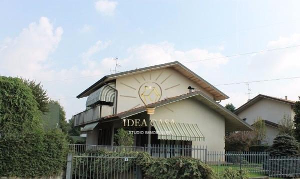 Villa in vendita a Correzzana, 6 locali, prezzo € 470.000 | Cambio Casa.it
