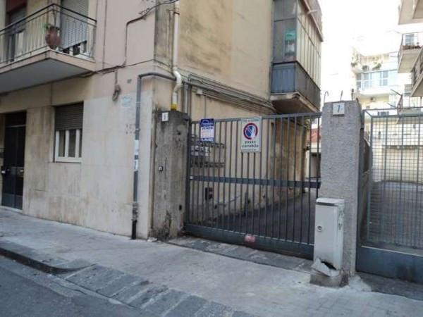 Posto-box auto in Affitto a Catania Centro: 15 mq