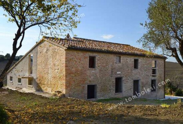Rustico / Casale in vendita a Orciano di Pesaro, 6 locali, prezzo € 420.000 | Cambio Casa.it