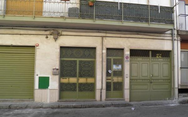 Appartamento in vendita a Paternò, 4 locali, prezzo € 55.000 | Cambio Casa.it