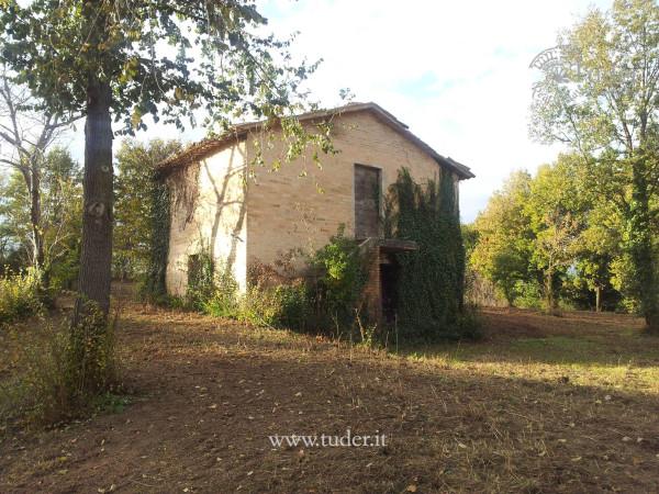 Rustico / Casale in vendita a Montefalco, 4 locali, prezzo € 130.000 | Cambio Casa.it