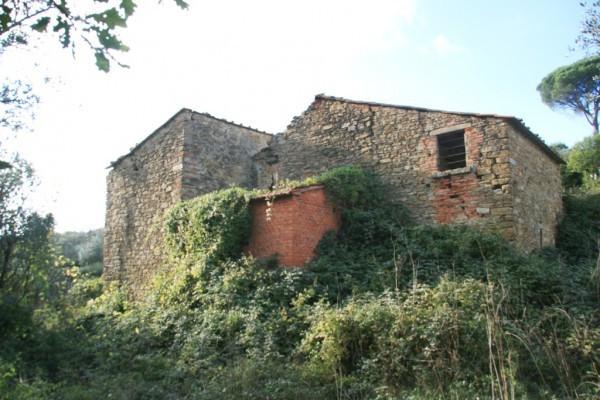 Rustico in Vendita a Arezzo Periferia Est: 5 locali, 200 mq