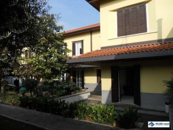Villa in vendita a Seregno, 6 locali, prezzo € 620.000 | Cambiocasa.it