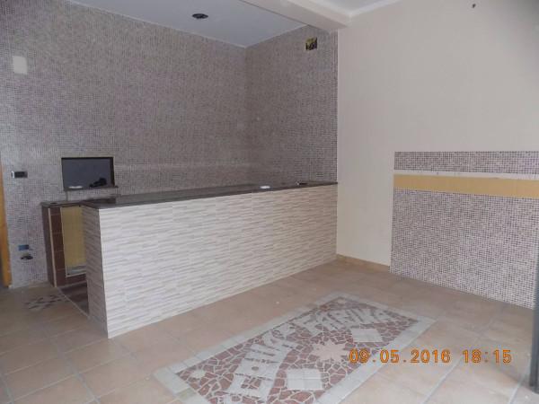 Negozio / Locale in affitto a Qualiano, 2 locali, prezzo € 400 | Cambio Casa.it