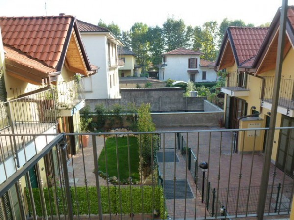 Bilocale Origgio Via Piantanida 9