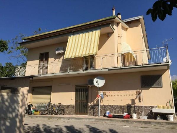 Villa in vendita a Pontecagnano Faiano, 5 locali, prezzo € 215.000 | Cambio Casa.it