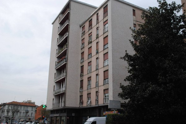 Appartamento in affitto a Monza, 2 locali, zona Zona: 5 . San Carlo, San Giuseppe, San Rocco, prezzo € 500 | Cambio Casa.it