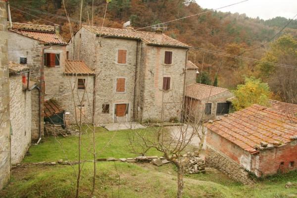 Casa indipendente in Vendita a Arezzo Periferia Est: 5 locali, 200 mq