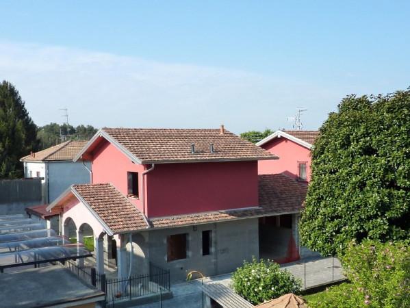 Villa in vendita a Olgiate Comasco, 6 locali, prezzo € 370.000 | Cambio Casa.it
