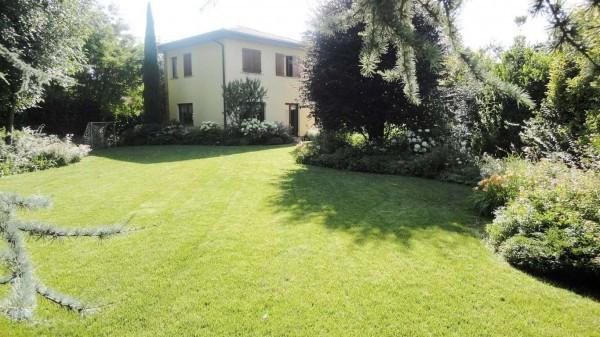 Villa in vendita a Treviglio, 6 locali, prezzo € 590.000 | Cambio Casa.it