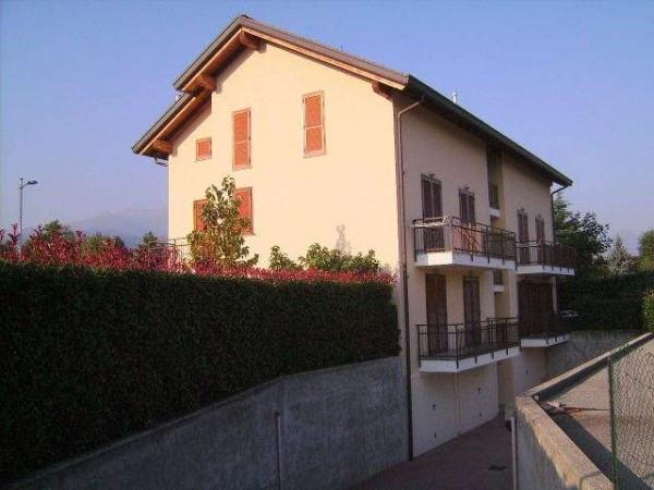 Appartamento in vendita a Orsenigo, 3 locali, prezzo € 159.000 | Cambio Casa.it