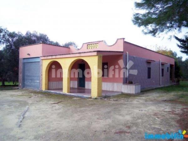 Villa in vendita a Francavilla Fontana, 6 locali, prezzo € 135.000   Cambio Casa.it