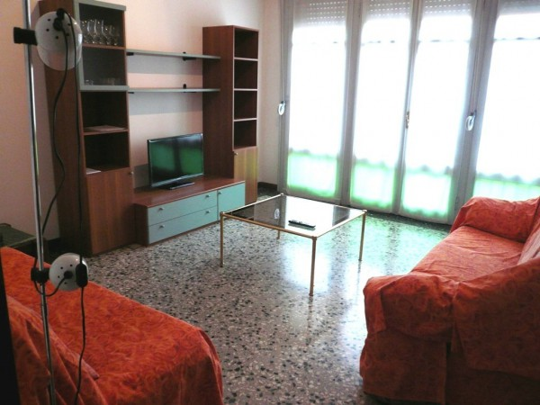 Appartamento in affitto a Bergamo, 2 locali, prezzo € 450 | Cambiocasa.it