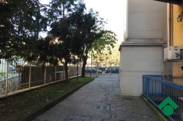 Bilocale Milano Via Mecenate, 12 2