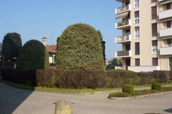 Bilocale Cardano al Campo Via Antonio Gramsci 11