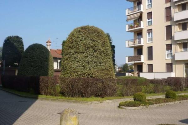 Bilocale Cardano al Campo Via Antonio Gramsci 4