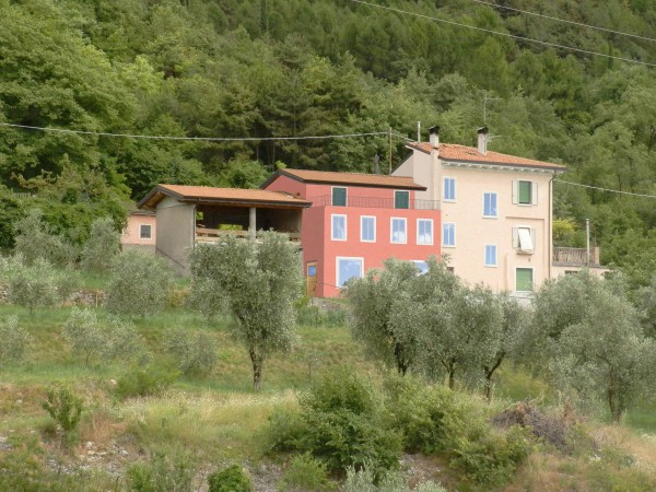Rustico / Casale in vendita a Malcesine, 4 locali, prezzo € 158.000 | CambioCasa.it