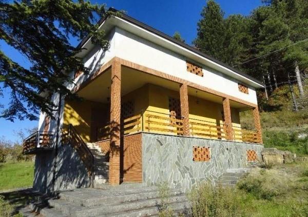 Rustico / Casale in vendita a Varano de' Melegari, 9999 locali, prezzo € 220.000 | Cambio Casa.it