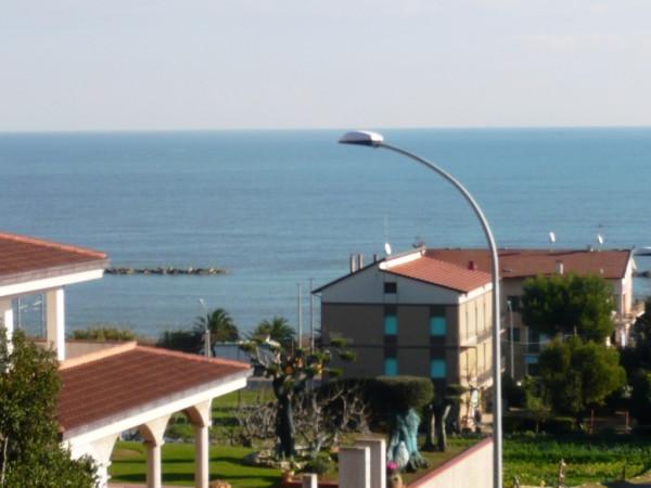 Appartamento in vendita a Cupra Marittima, 3 locali, prezzo € 145.000 | Cambio Casa.it