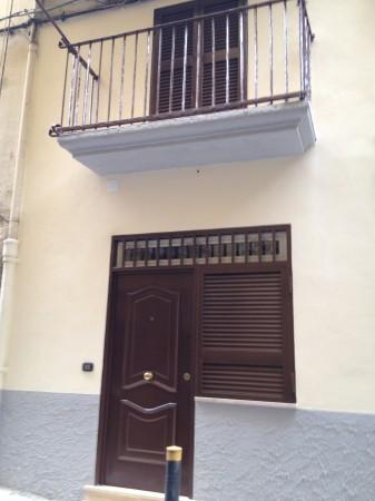 Appartamento in Vendita a Napoli Centro: 3 locali, 80 mq