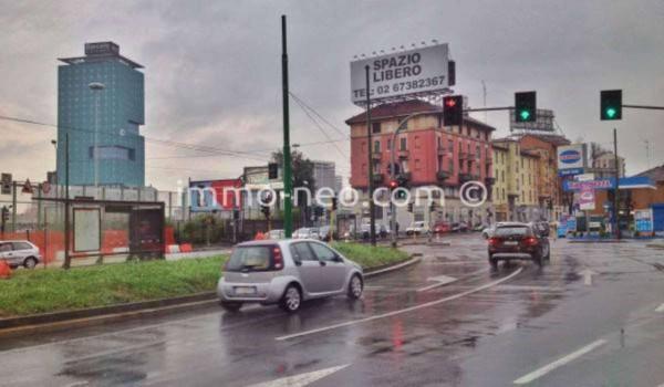 Bilocale Milano Via Giovanni Battista Grassi 10