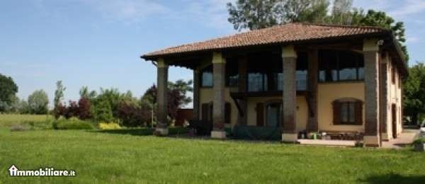 Villa in vendita a Castel Maggiore, 6 locali, Trattative riservate | Cambio Casa.it