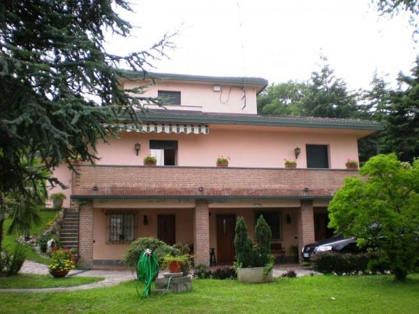 Villa in vendita a Monguzzo, 6 locali, prezzo € 470.000 | Cambio Casa.it
