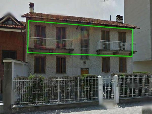 Appartamento in vendita a Nichelino, 5 locali, prezzo € 150.000 | Cambio Casa.it