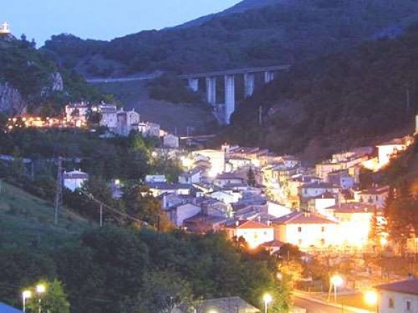 Appartamento in vendita a Rocca Pia, 3 locali, prezzo € 62.500 | Cambio Casa.it