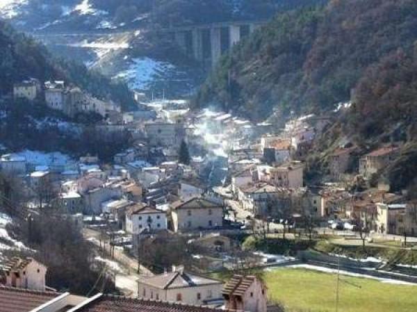 Appartamento in vendita a Rocca Pia, 2 locali, prezzo € 51.500 | Cambio Casa.it