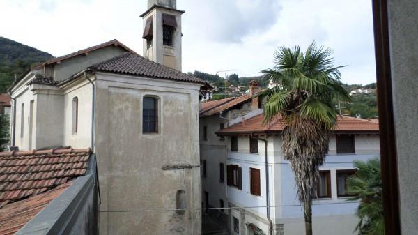 Bilocale Nebbiuno Via Vittorio Veneto 5