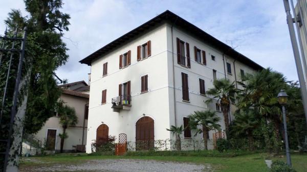 Bilocale Nebbiuno Via Vittorio Veneto 8