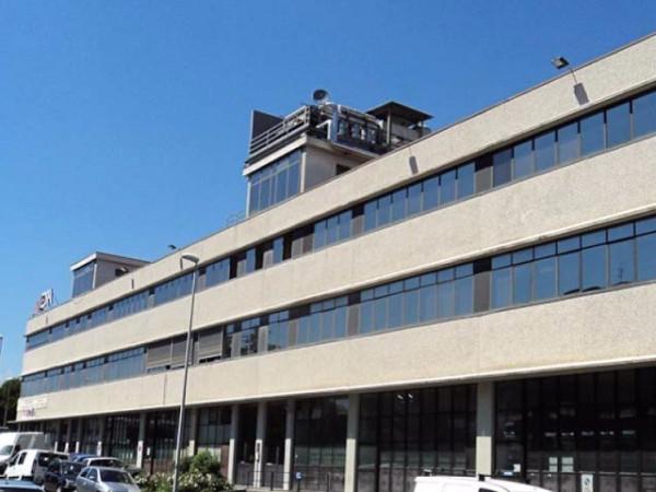 Laboratorio in vendita a Torino, 3 locali, zona Zona: 13 . Borgo Vittoria, Madonna di Campagna, Barriera di Lanzo, prezzo € 58.000 | Cambio Casa.it