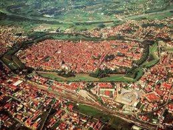 Bilocale Lucca Via Fonda 8
