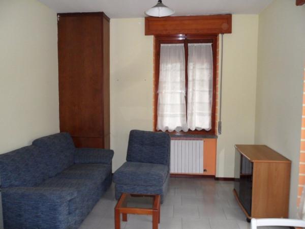 Bilocale Mariano Comense Via Giosuè Carducci 4