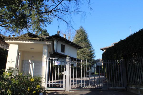 Bilocale Guanzate Via Dei Colli 1