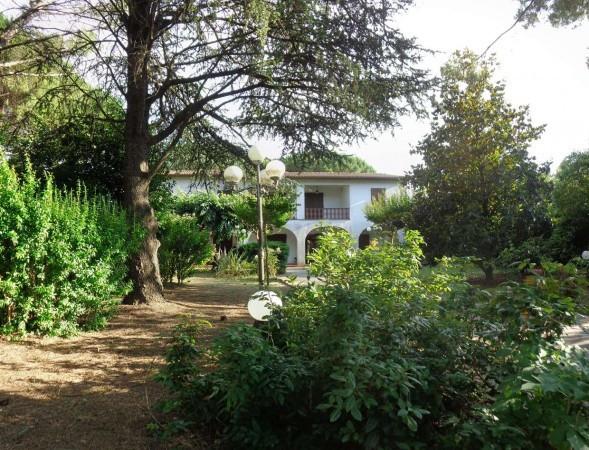 Villa in vendita a Calcinaia, 6 locali, prezzo € 850.000 | Cambio Casa.it