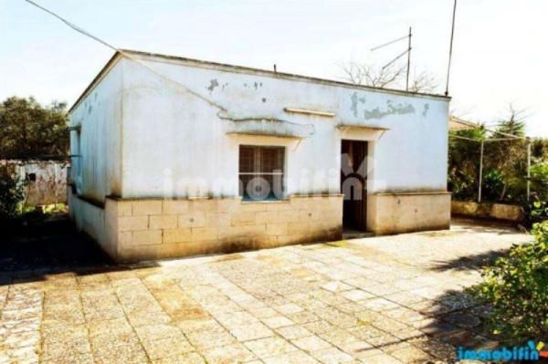 Villa in vendita a Oria, 4 locali, prezzo € 38.000 | Cambio Casa.it