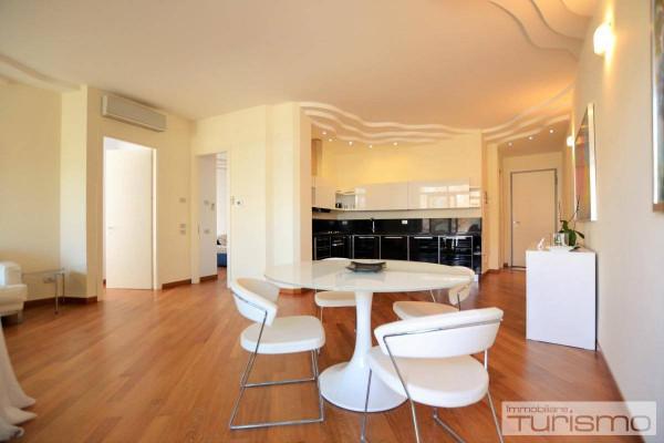 Appartamento in Affitto a Riccione: 3 locali, 100 mq