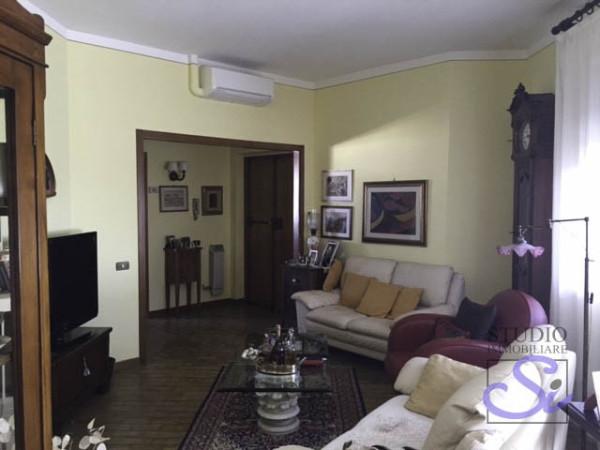 Appartamento in vendita a Pistoia, 5 locali, prezzo € 190.000   Cambio Casa.it