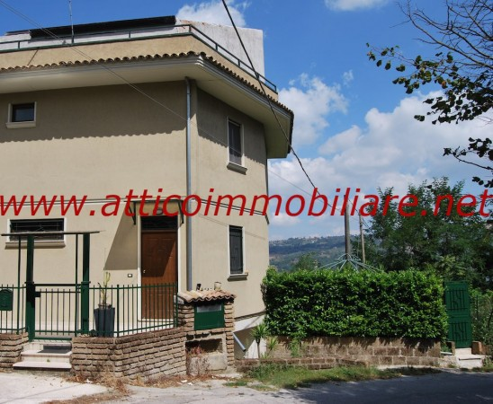 Casa Affitto Pratola Serra