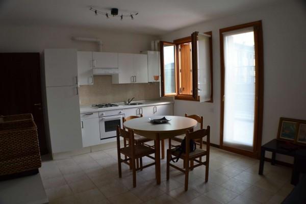 Appartamento in vendita a Villafranca di Verona, 2 locali, prezzo € 128.000   CambioCasa.it