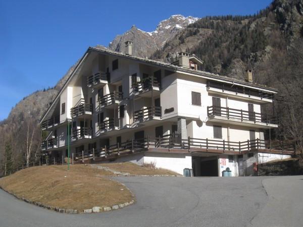 Appartamento in vendita a Gressoney-Saint-Jean, 3 locali, prezzo € 230.000 | Cambio Casa.it