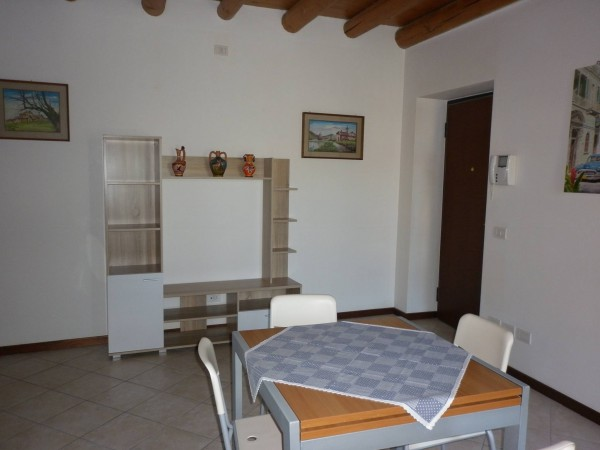 Bilocale Valeggio sul Mincio Via Roma 6