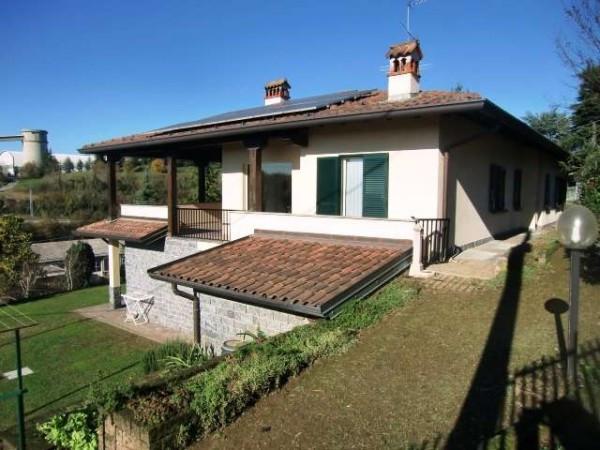 Villa in vendita a Merone, 6 locali, prezzo € 590.000 | Cambio Casa.it